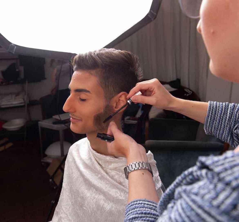 Berkan Aydin modelt für elitevampire.de (Foto: Barbara Frommann)