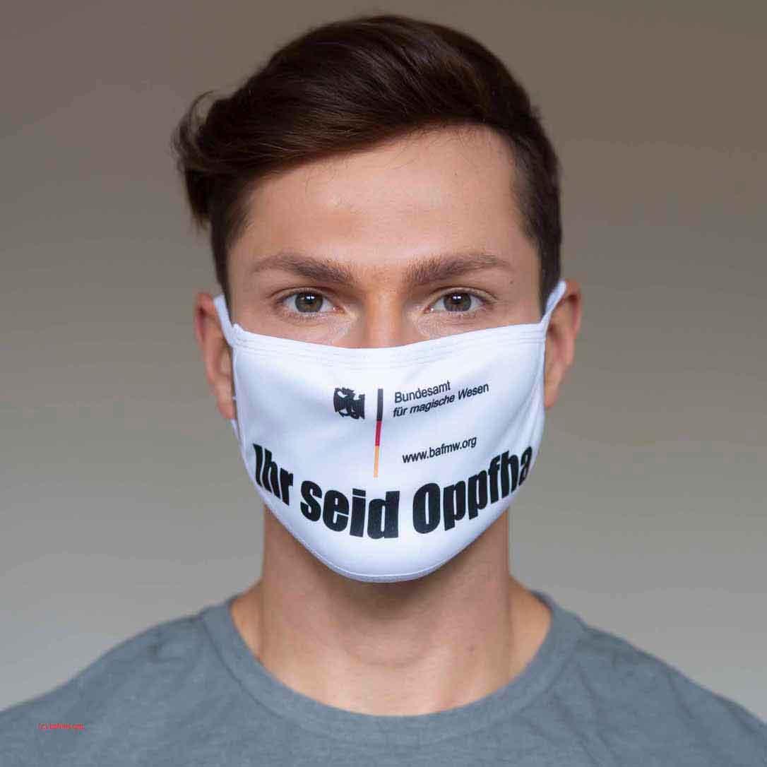 Sebastian Kempin modelt für elitevampire.de (Foto: Barbara Frommann)