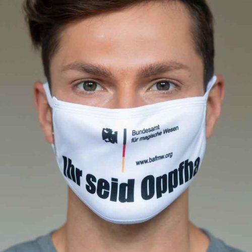 """Mund-Nasen-Schutz """"Ihr seid Oppfha"""" (Foto: Barbara Frommann)"""
