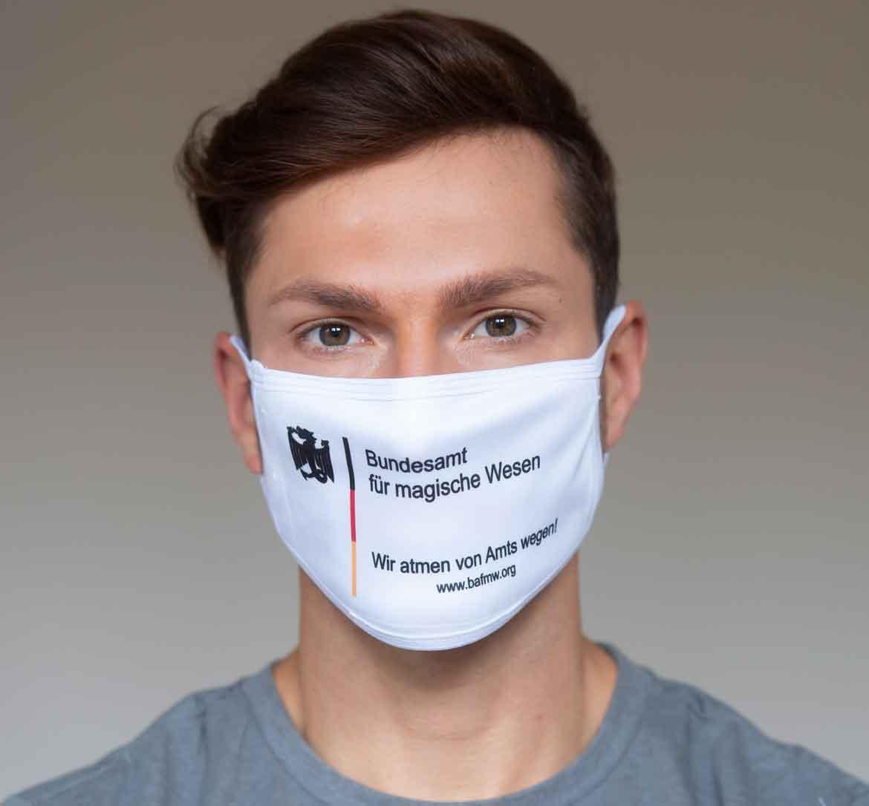 """Mund-Nasen-Schutz """"Wir atmen von Amts wegen"""" (Foto: Barbara Frommann)"""