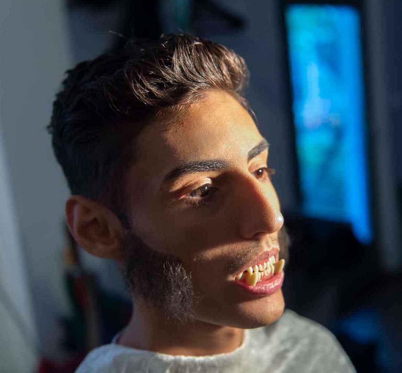 Berkan Aydin modelt als Werwolf für das Projekt elitevampire.de (Foto: Barbara Frommann)